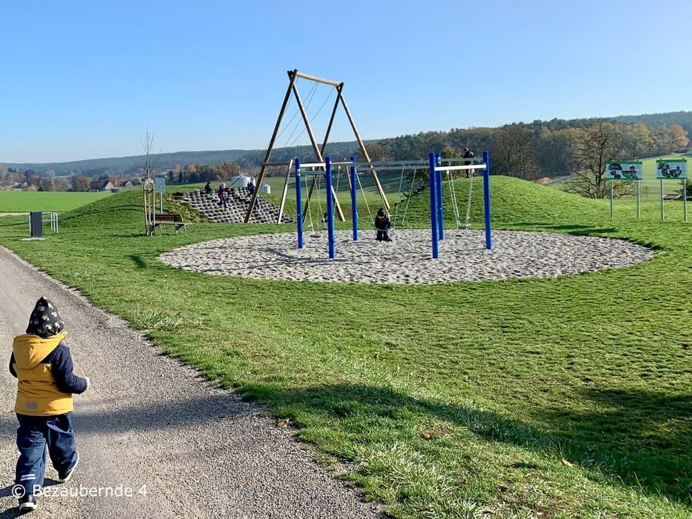 Wandern mit Kindern in der Nähe von Erlangen: Auf dem Schaukelweg